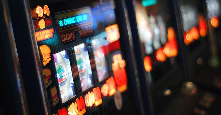 Gaming poker machines